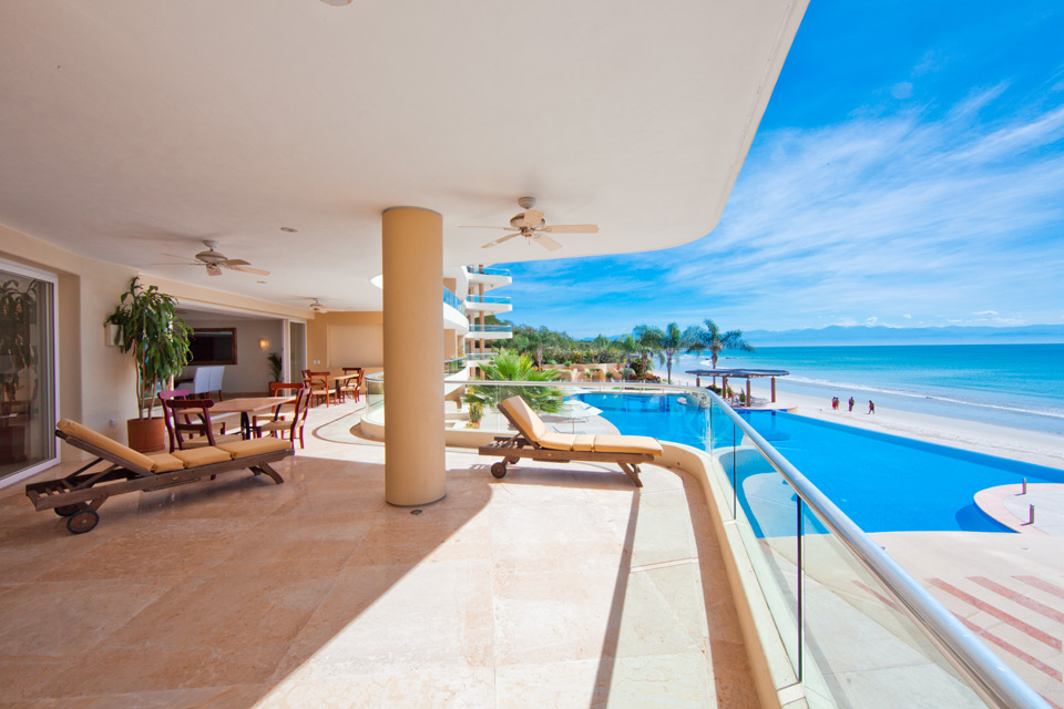 In 500 900 3 bedrooms beachfront condominiums punta de mita punta