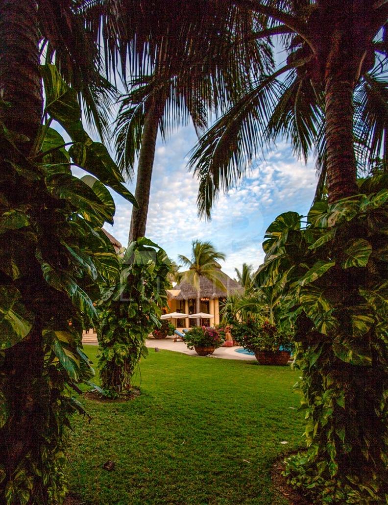 Villa Ranchos 3 - Ultra luxury, ultra private, ultra cool Punta Mita, Mexico. Beachfront vacation rental on Ranchos beach at the exclusive Punta Mita Resort, Riviera Nayarit, Mexico.