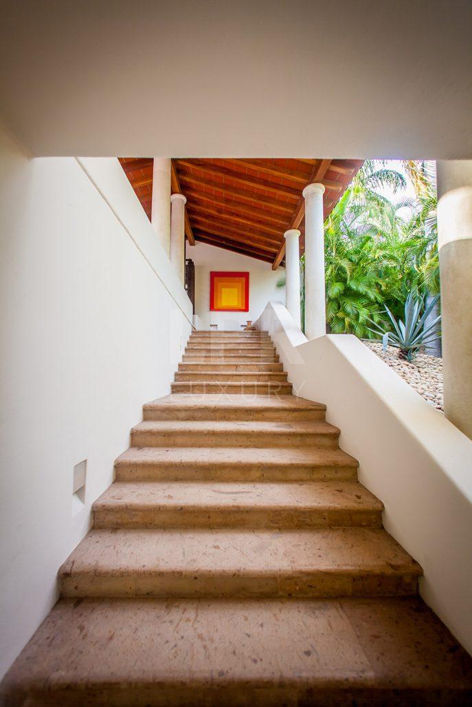 Villa Lagos del Mar 20 - Luxury Punta Mita Resort golf villa on the Jack Nicklaus golf course.