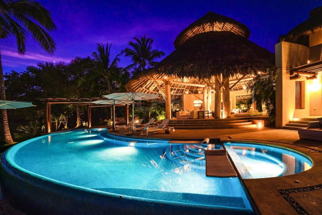 Villa Ranchos 12 - Luxury beachfront vacation rental villa on exclusive Ranchos beach at the Punta Mita Resort, Riviera Nayarit, Mexico
